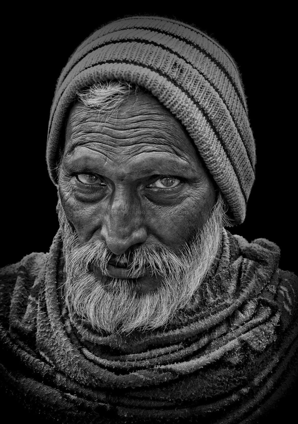 street monochrome natural light portrait Haridwar