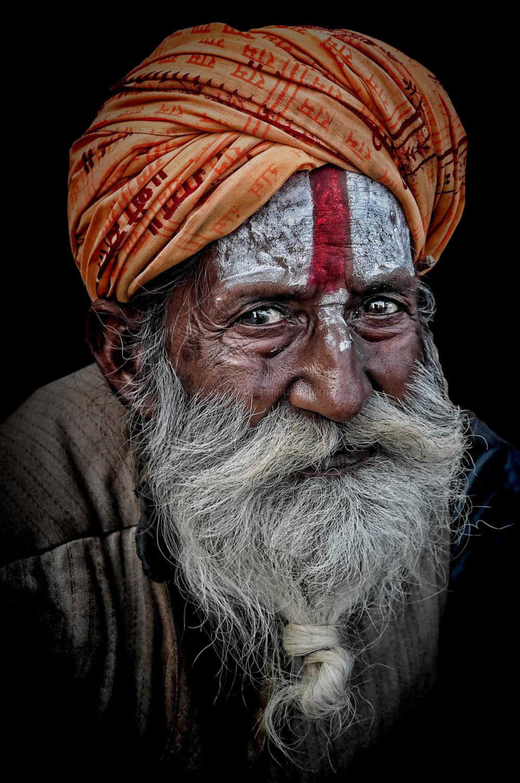 sadhu Rishikesh white beard forehead paint