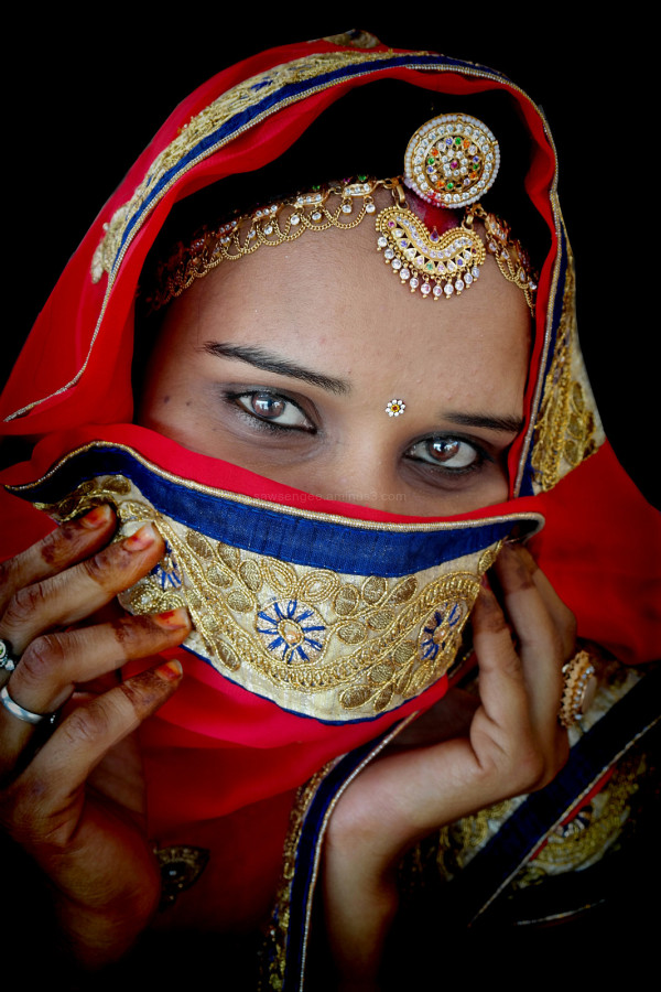 Rajasthani woman street capture natural light