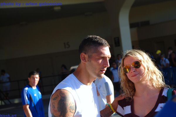 marco materazzi with one of his fans in ucla