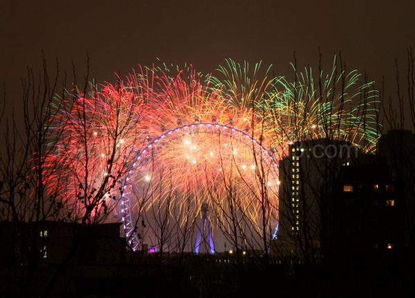NYE fireworks, London eye 2008