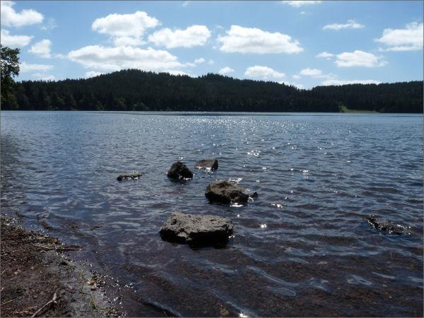 Caresse du vent sur le lac du Bouchet...