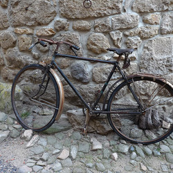 Le vieux vélo de la ruelle