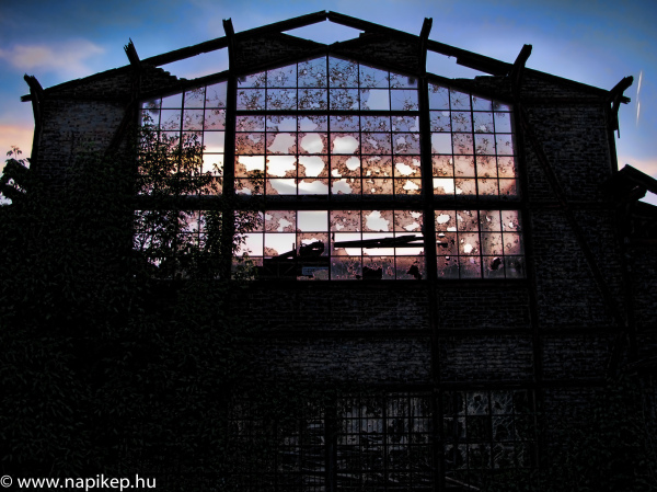 broken windows in HDR