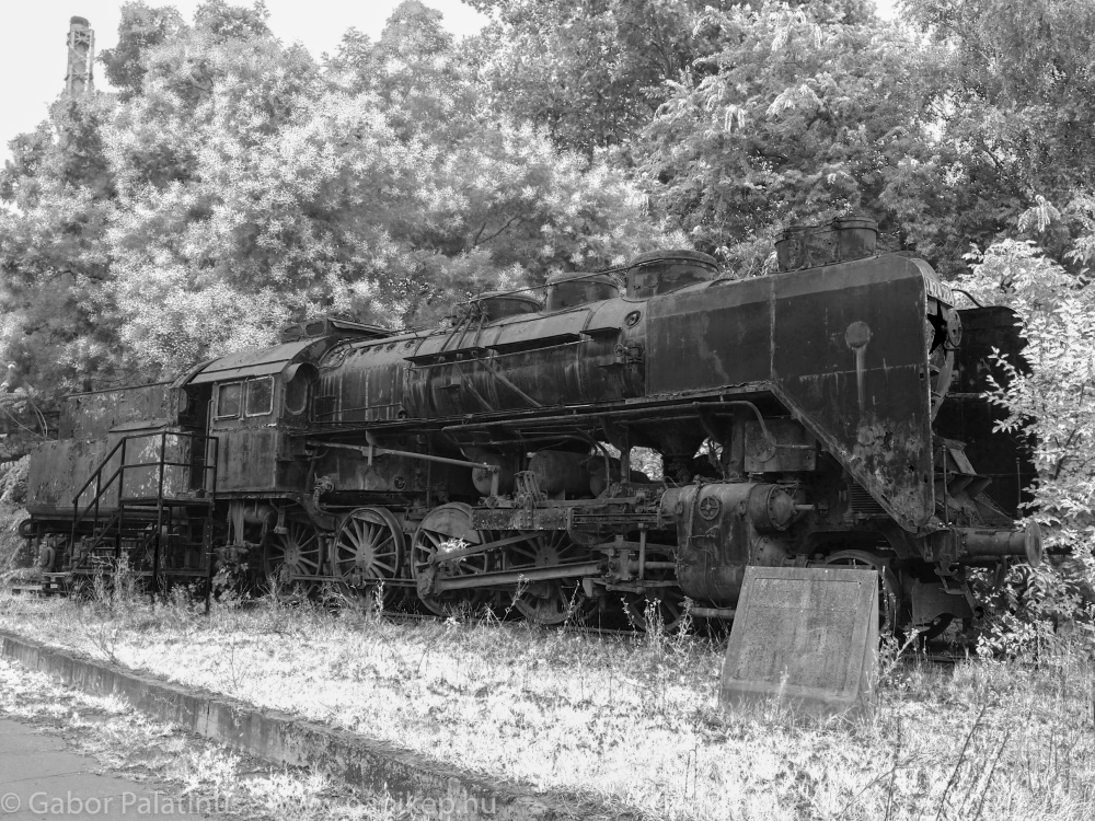 train cemetery VII.