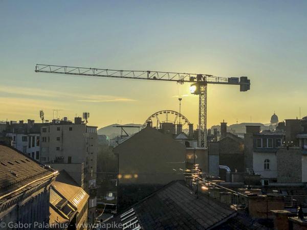crane-sun