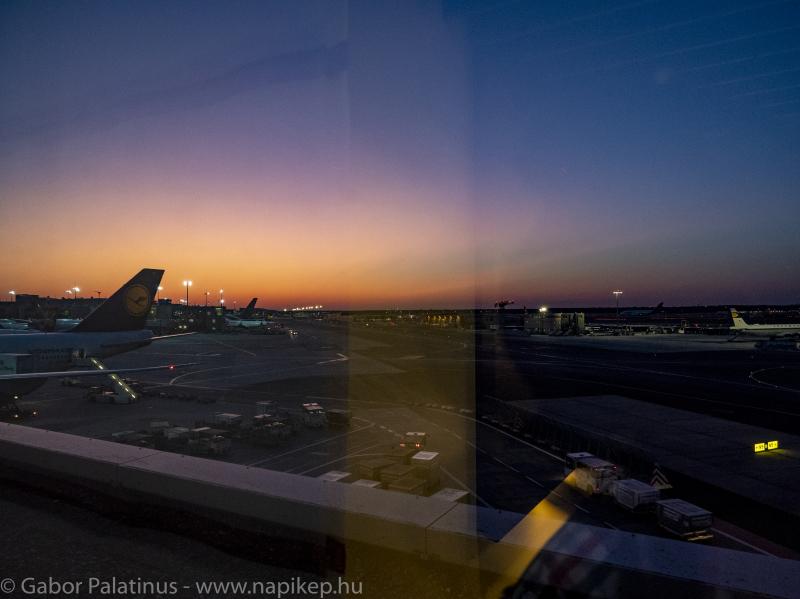Frankfurt 6:06AM