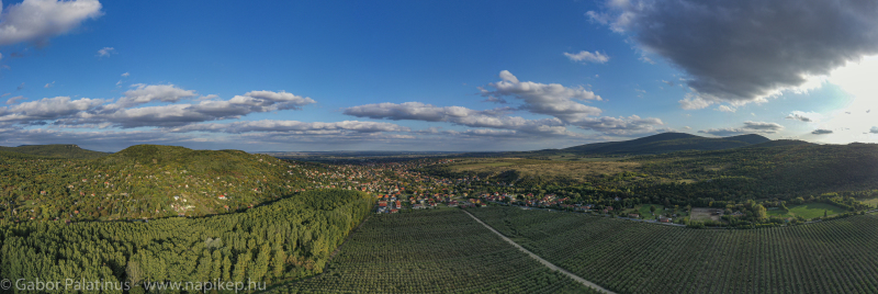 Pomaz autumn panorama