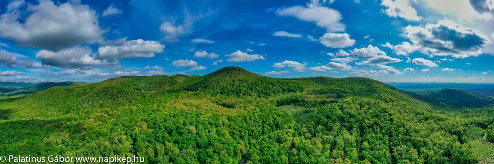 Bölcső-mountain panorama