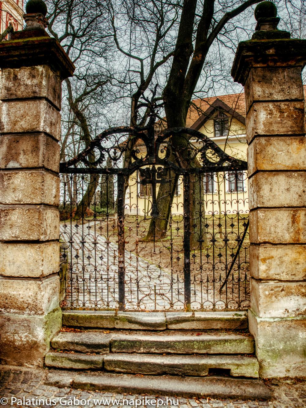 cast iron gate