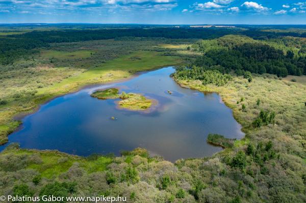 lake Baláta aerial