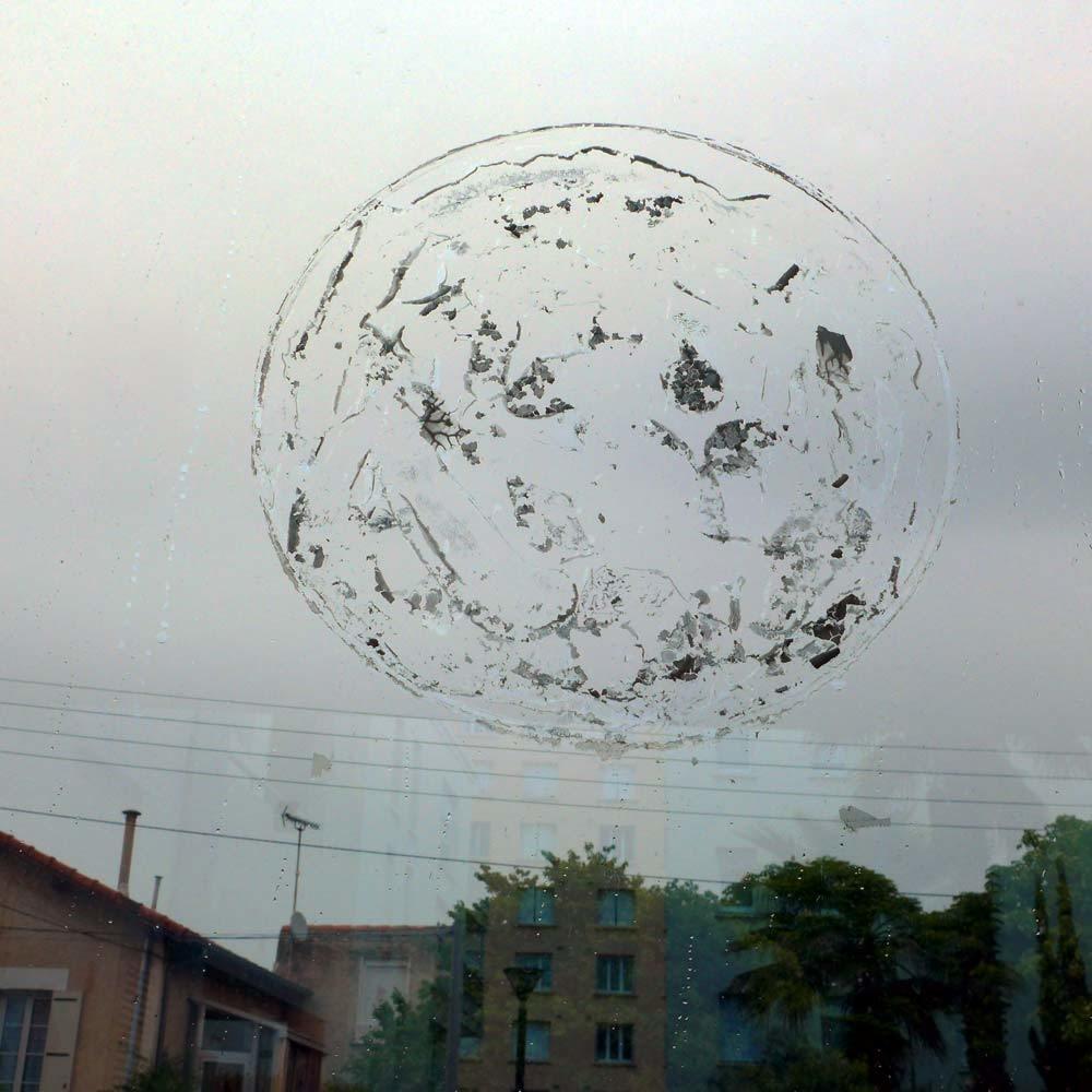 Une planète au-dessus de nos têtes
