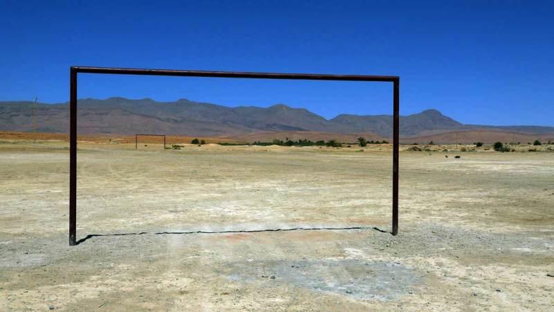 Terrain de foot faute de combattants