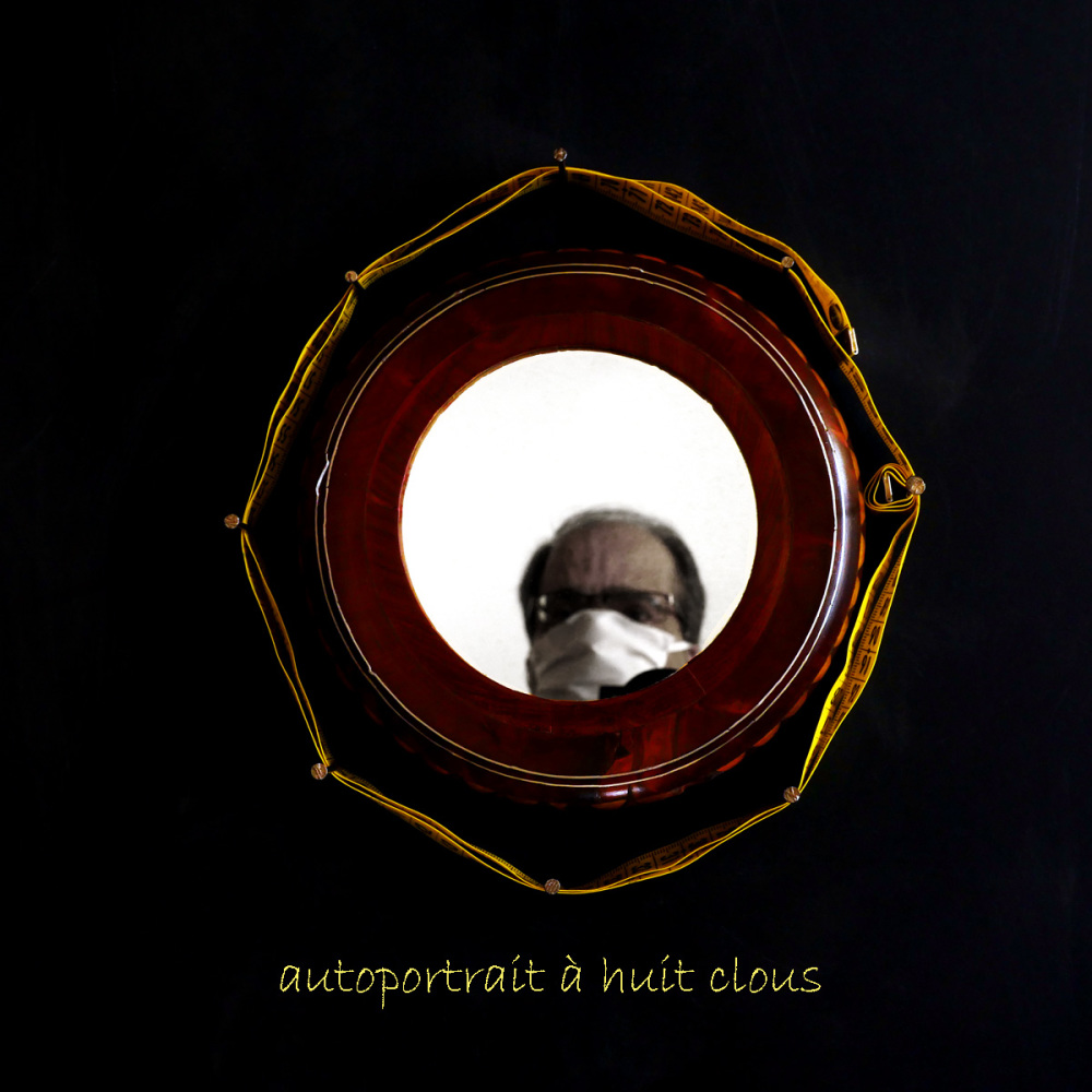 Autoportrait à huit clous