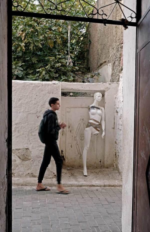 L'homme a créé le mannequin à son image