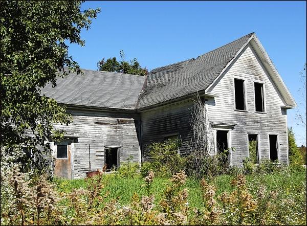 Abandoned Home Near Hartland, Maine