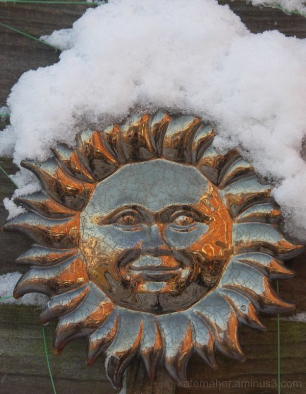 sun plaque winter snow