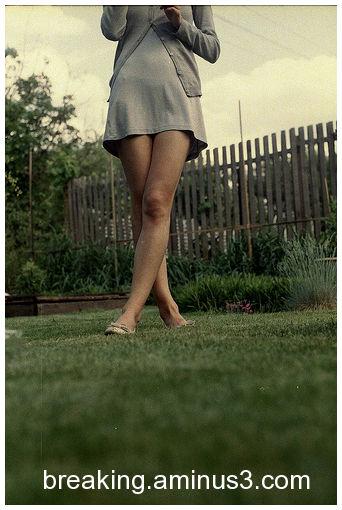 Legs always in the scene - 33