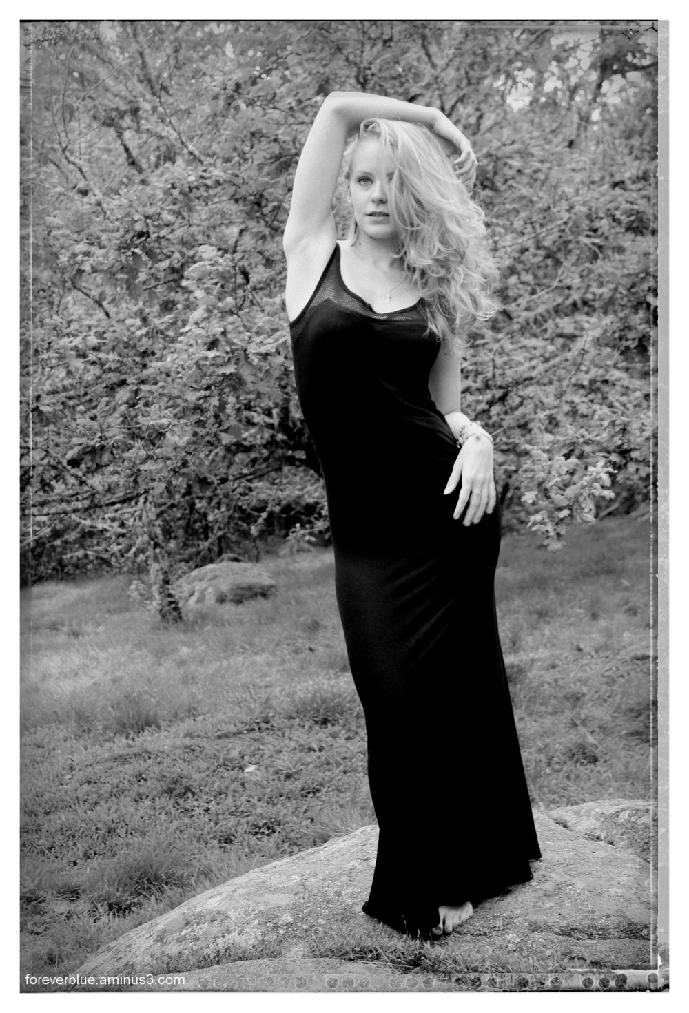 ...THE LADY IN BLACK (1) ...