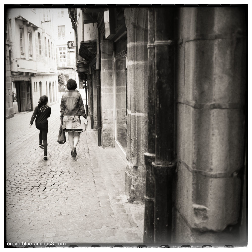 ... STREET NOISE ...