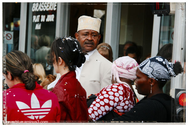 ... A FACE IN THE CROWD (5) ...
