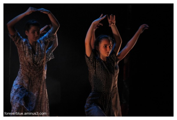 ... DANCIN ' QUEENS (5) ...