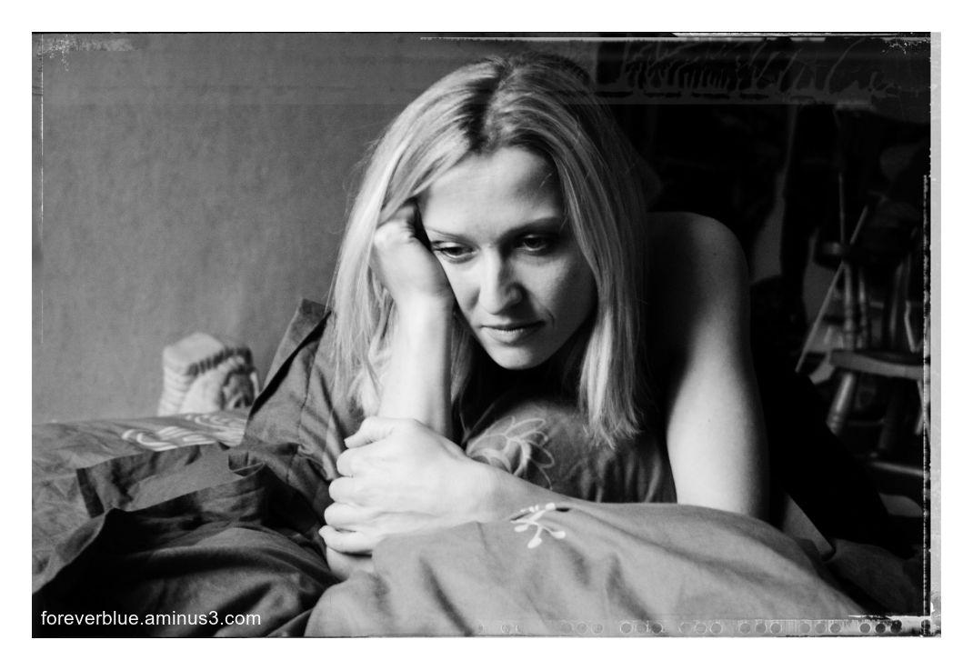 ... VANESSA (16) ...