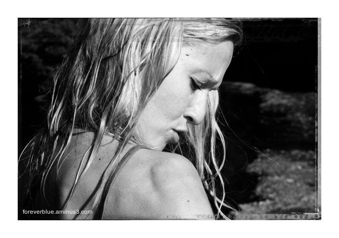 ... VANESSA (19) ...