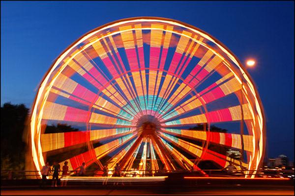 Ferriswheel at night