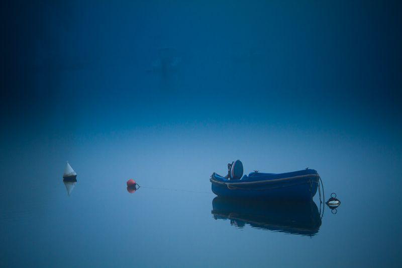 Une barque dans la rivière Belon