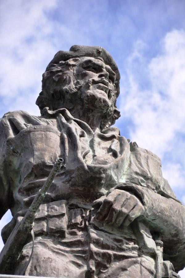 Guevara statue in Santa Clara