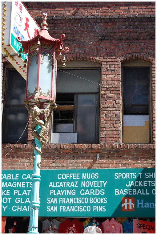 Streetlight in Chinatown in San Francisco