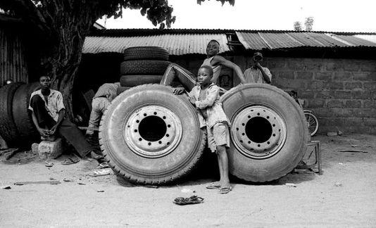Working Youth on a break (Bénin,Cotonou)