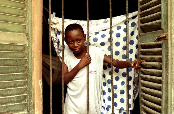 Un Regard à la fenêtre (Bénin)
