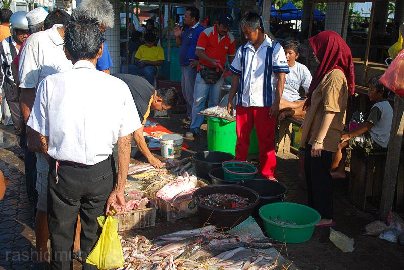 ~pasar ikan