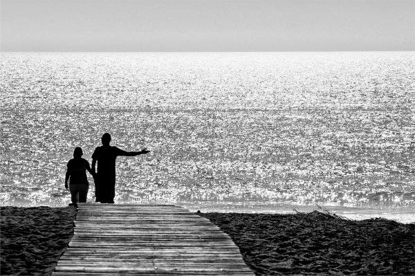 To the beach....Voilà la mer.