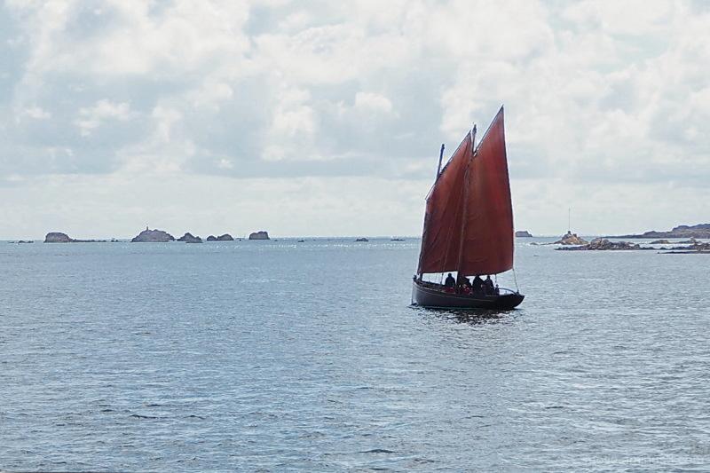 Sailing to Bréhat...