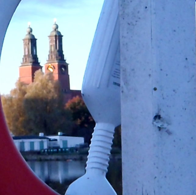 Klosterkyrka genom trygg hansaboj