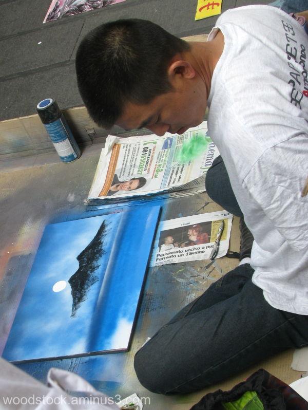 Street artist Naples