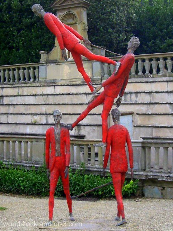 Statues Sculpture men in red suits