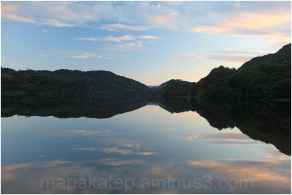 llanberis lake north wales reflections