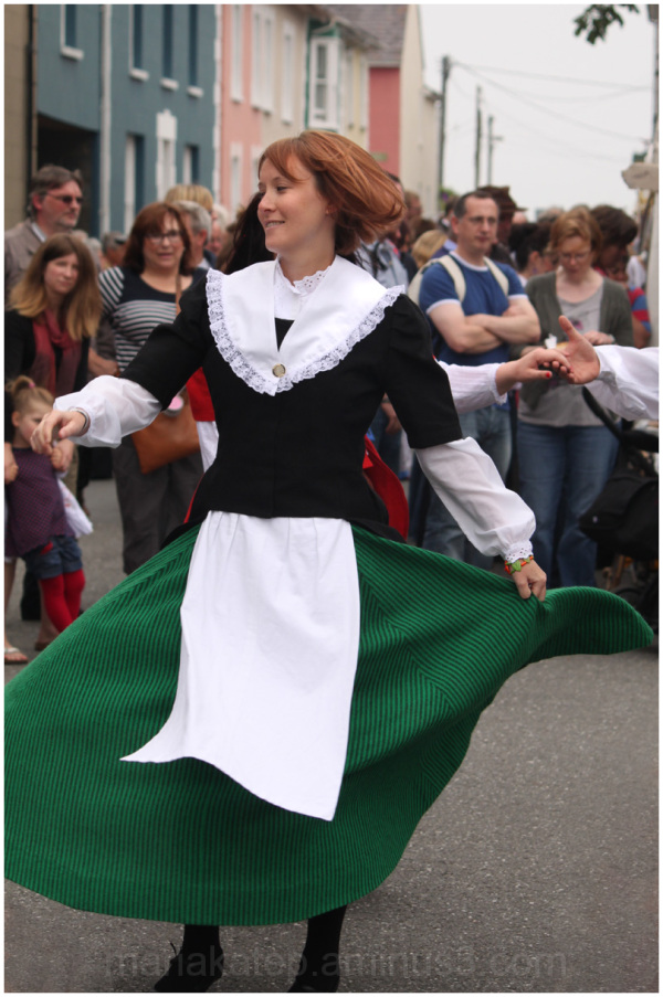 welsh folk dancing aberaeron wales