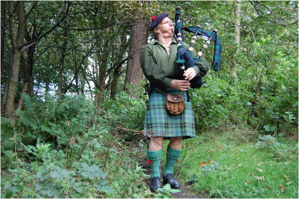 Piper Of The Glen
