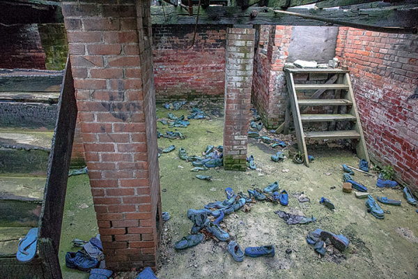 The Dungeon of Blue Shoes