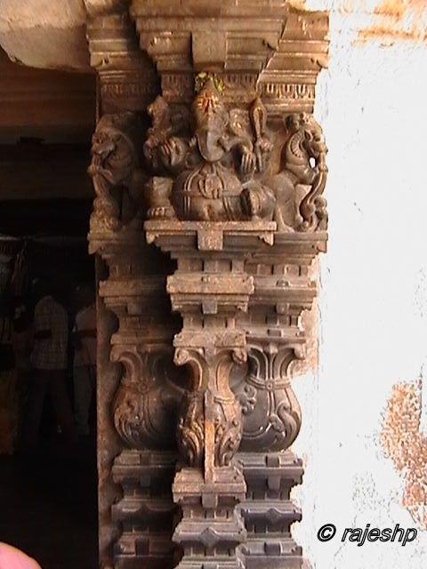 Melkote temple pillar