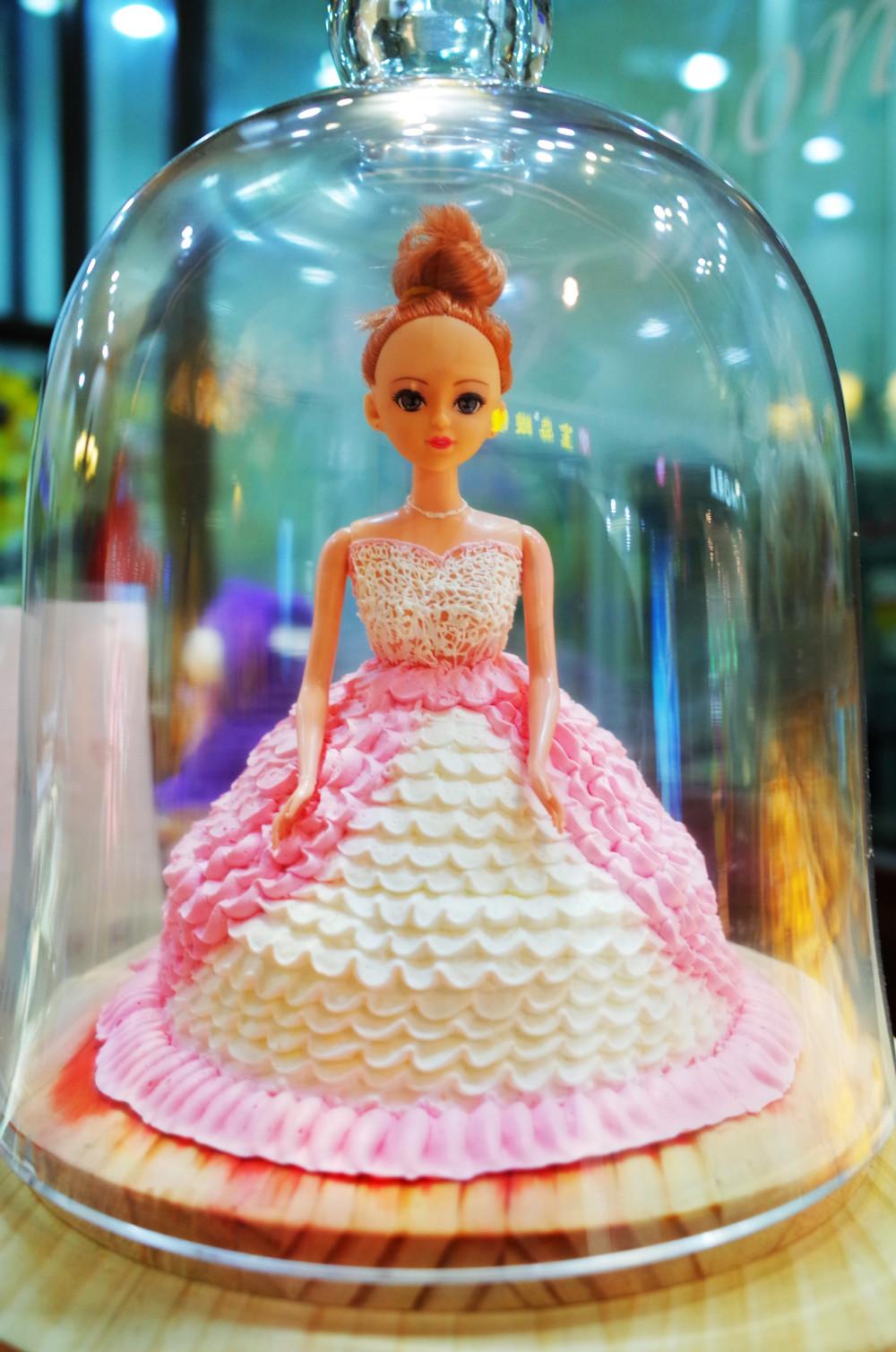 Doll cake @ CapitaMall, Beijing