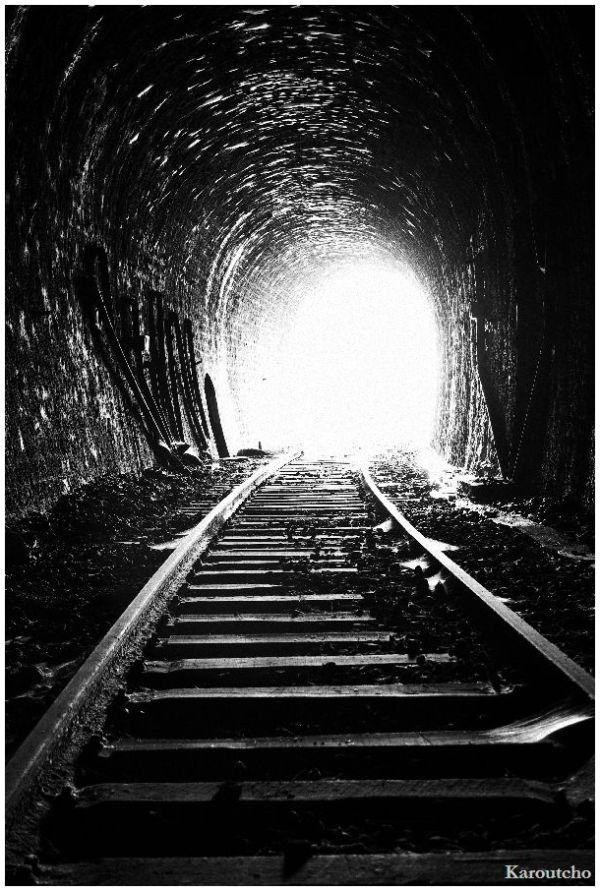 the end of a tunnel la fin du tunnel