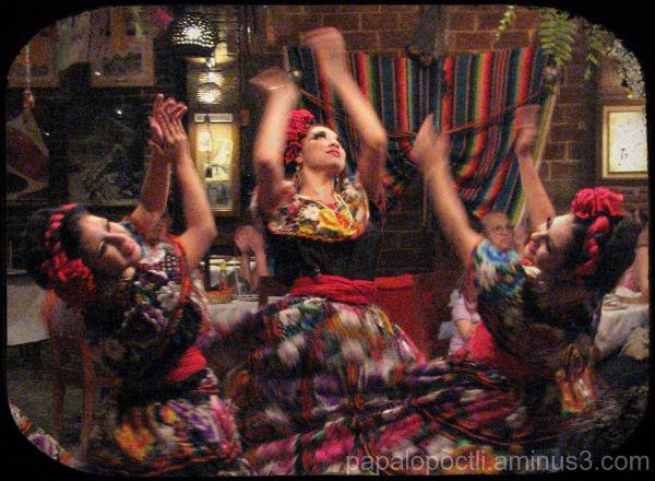 Mujeres en traje regional, Chiapas