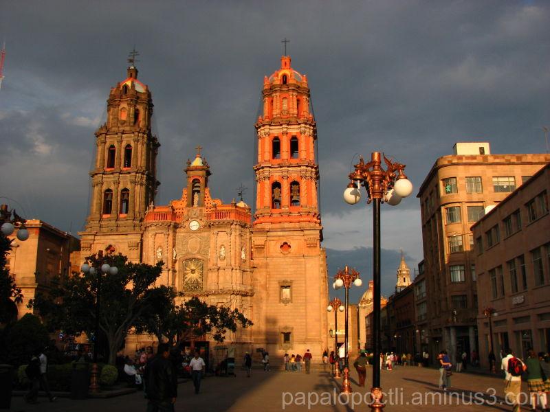 Iglesia al atardecer en San Luis Potosí