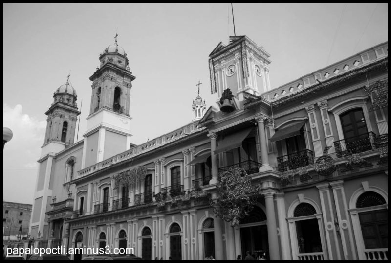 Edificios de Colima: Iglesia y Palacio Municipal